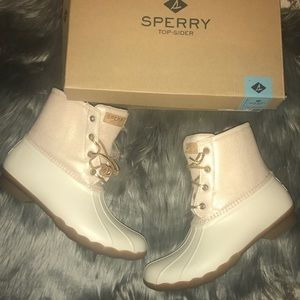Brand new in box Sperry saltwater boots